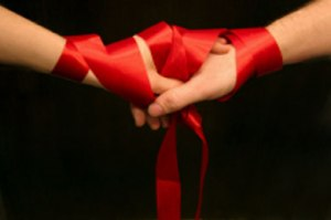 handfasting-marriage-wedding-hands