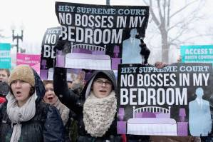 Supreme-Court-Hobby-Lobby-protesters