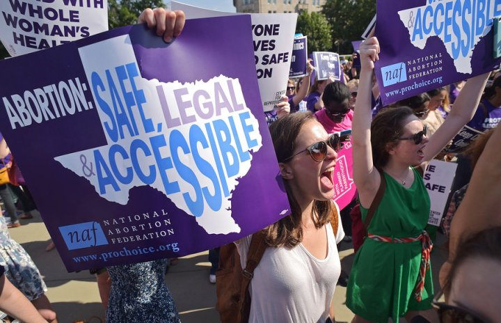 supreme-court-blocks-texas-abortion-law
